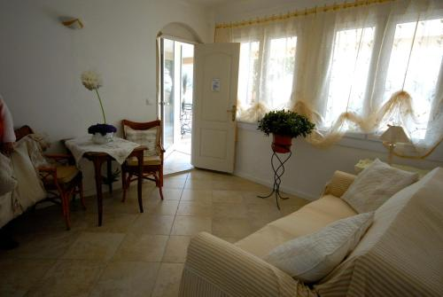Mas des Kardouons : Bed and Breakfast near Coursegoules