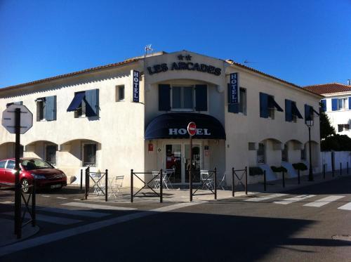Hôtel Les Arcades : Hotel near Saintes-Maries-de-la-Mer