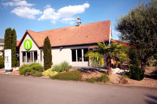 Campanile Angoulème Ouest - Saint-Yrieix : Hotel near Marsac