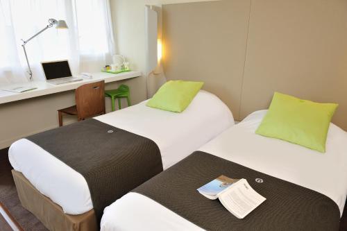 Campanile Vannes : Hotel near Theix