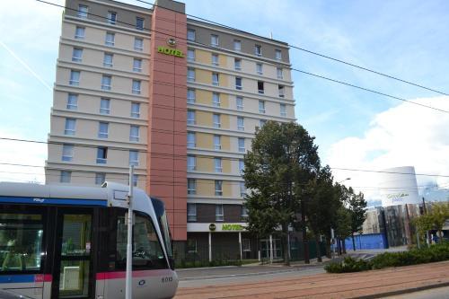 B&B Hôtel Grenoble Centre Alpexpo : Hotel near Notre-Dame-de-Mésage