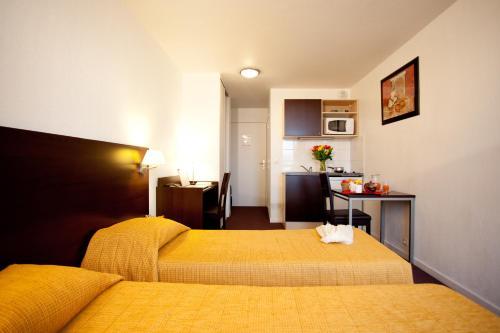 Aparthotel Adagio Access Paris Saint-Denis Pleyel : Guest accommodation near L'Île-Saint-Denis