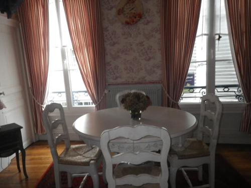 Appartement Le Soleil Dort : Apartment near Saint-Martin-de-Nigelles