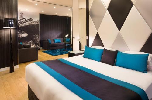 L'Empire Paris : Hotel near Paris