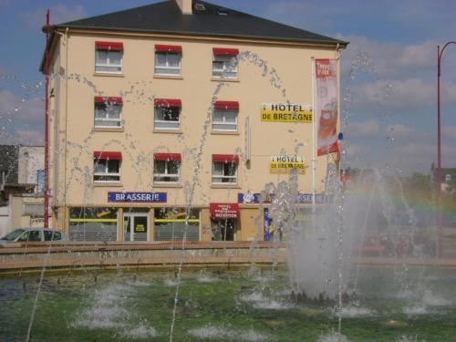 Hotel de Bretagne : Hotel near Javené