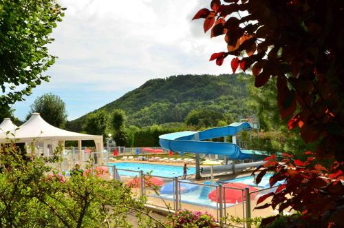 Camping L'Europe : Guest accommodation near Murol