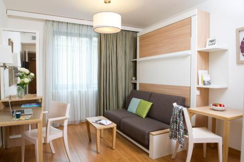 Aparthotel Adagio Paris Vincennes : Guest accommodation near Joinville-le-Pont