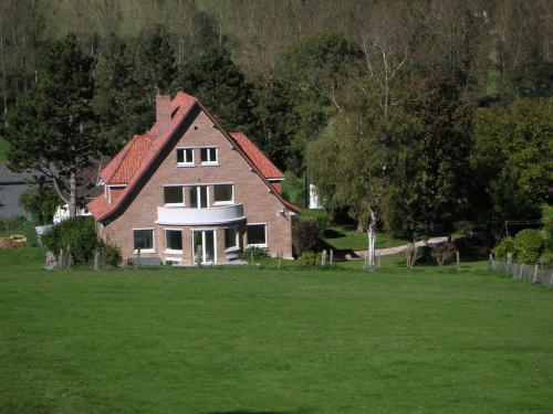 Villa des Groseilliers Spa et Golf : Guest accommodation near Hesdin