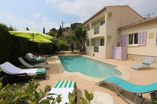 La Bastide des Pins : Bed and Breakfast near Carqueiranne