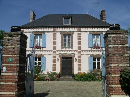Le Presbytère : Bed and Breakfast near Moussonvilliers