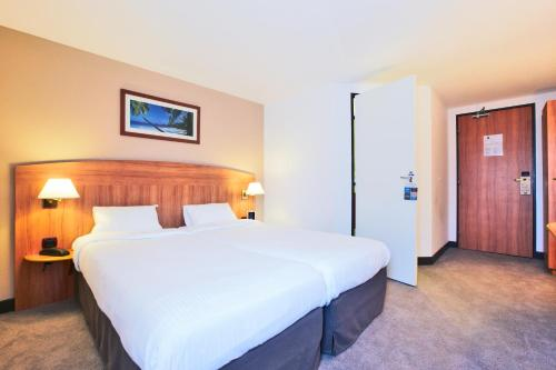 Comfort Hotel Evreux : Hotel near Prey