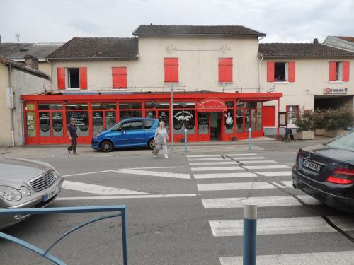 Le Relais Gourmet : Hotel near Chaptelat