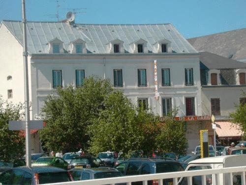 Hotel De La Gare : Hotel near Lavault-Sainte-Anne