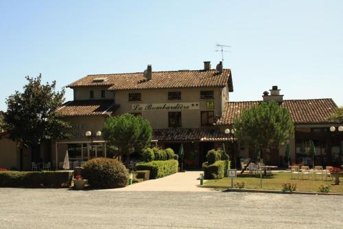 Hôtel Restaurant La Bombardière : Hotel near Guitalens-L'Albarède