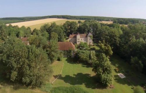 Domaine des Forges de la Vache : Bed and Breakfast near Chazeuil