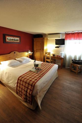 Hotel The Originals Porte de Genève Annemasse Sud (ex Inter-Hotel) : Hotel near Reignier-Esery