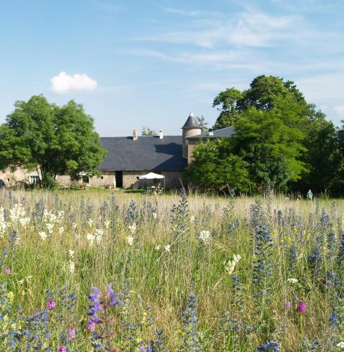 Domaine De Pradines : Guest accommodation near Dourbies