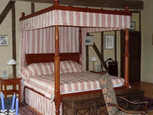 Manoir Du Bois Noblet : Bed and Breakfast near Grézillé