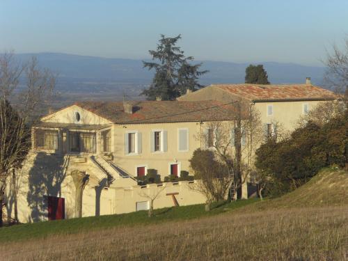 Domaine De La Petite Tour : Guest accommodation near Cailhavel