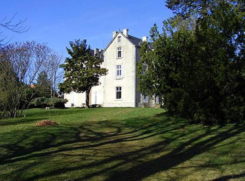 Vivre Nature au Château : Bed and Breakfast near Lusseray