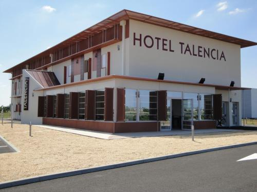 Hotel Talencia : Hotel near Saint-Léger-de-Montbrun