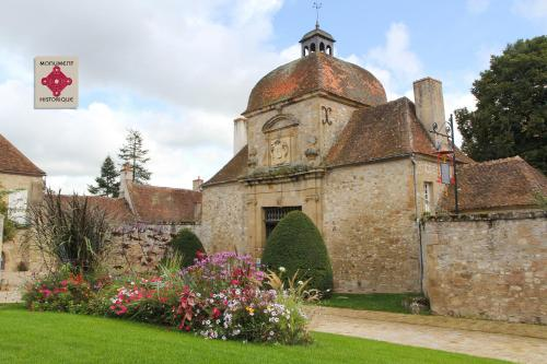 La Porterie : Bed and Breakfast near Aubigny