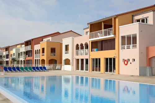 Lagrange Vacances Catalana : Guest accommodation near Le Barcarès