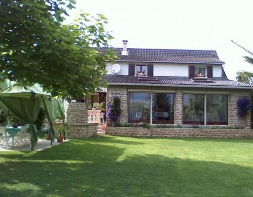 La Maison Ardennaise : Bed and Breakfast near Boulzicourt