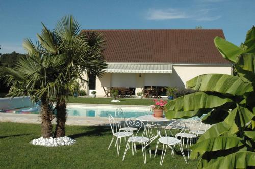 La Girouardière : Bed and Breakfast near Courcelles-la-Forêt