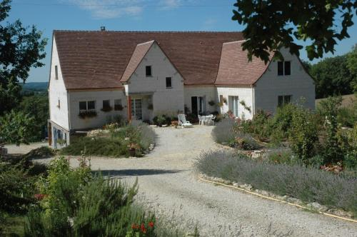 Lavandes et Roses en Quercy : Bed and Breakfast near Montamel