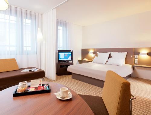 Novotel Suites Paris Velizy : Hotel near Châtenay-Malabry