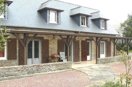 Chambre D'hôtes Les Tesnières - Baie du Mont St Michel : Guest accommodation near Juilley