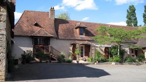 Chambre d'hôtes Aux Portes du Périgord Noir : Bed and Breakfast near Lacropte