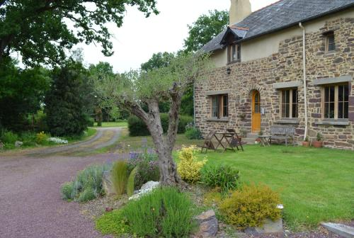 Lojis De La Pervota : Bed and Breakfast near Saint-Malon-sur-Mel
