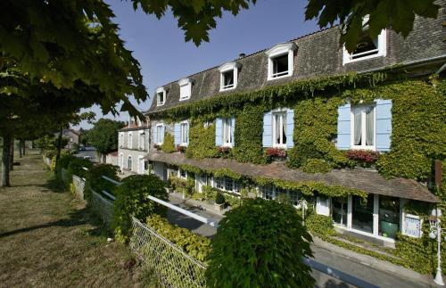 Hostellerie Saint-Jacques : Hotel near Saint-Estèphe