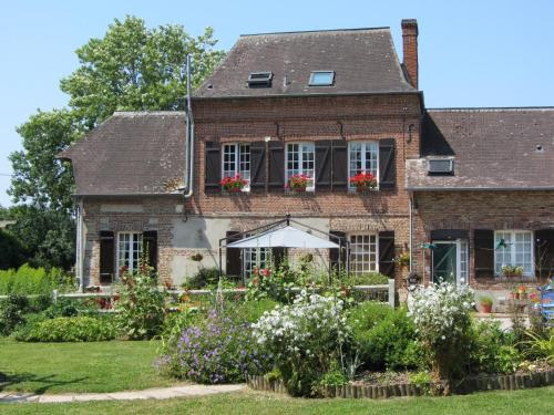 Le Moulin de l`Epinay : Bed and Breakfast near Saint-Germain-sur-Bresle