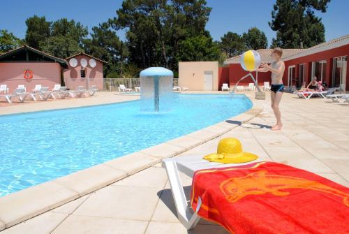 Résidence Néméa Les Rives de Saint Brice : Guest accommodation near Andernos-les-Bains