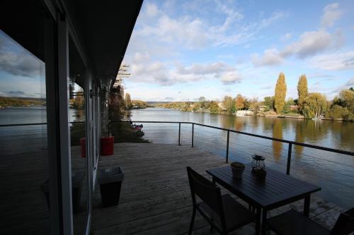Comme un Poisson dans l'Eau : Guest accommodation near Chanteloup-les-Vignes