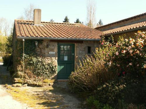 La Trainelière : Bed and Breakfast near Chambretaud