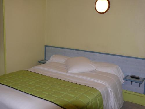 Hotel Bressan du XX° Siecle : Hotel near Saint-Just