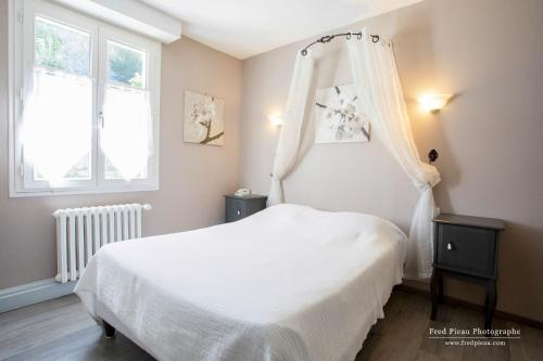 Logis Du Vieux Moulin : Hotel near Saint-Brieuc-des-Iffs
