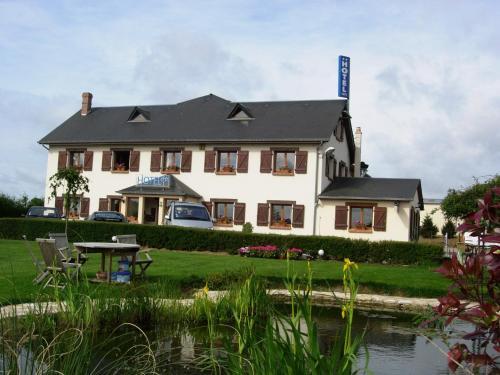Hôtel De Courteilles : Hotel near Gacé