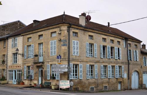 Hotel du Saumon : Hotel near Courtémont