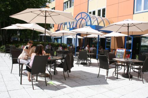 Euro Hôtel Paris Creteil Métro : Hotel near Brie-Comte-Robert