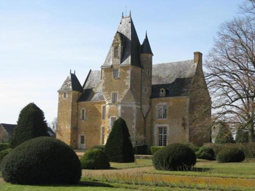 Chateau de la Balluere : Bed and Breakfast near Fercé-sur-Sarthe