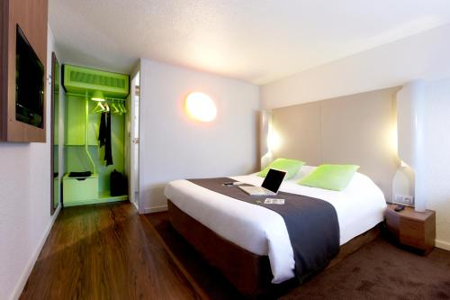 Campanile Les Ulis : Hotel near Courson-Monteloup
