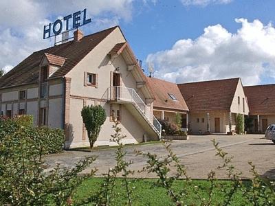 Logis Hotel Le Nuage : Hotel near Escrignelles