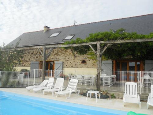Logis Du Patis Roux : Bed and Breakfast near Puceul