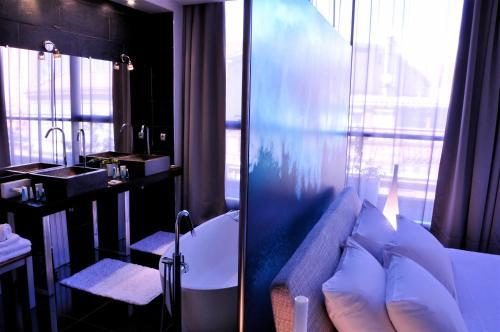 Hôtel Design Les Bains Douches : Hotel near Toulouse