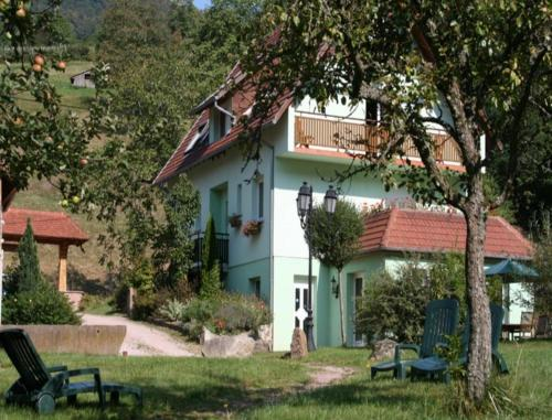 Maison d'hôtes La Cerisaie : Bed and Breakfast near Rothau